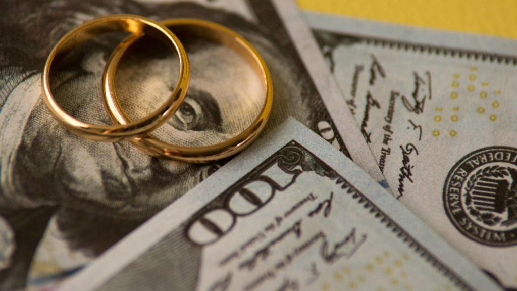 Τα διαζύγια που ξετίναξαν τραπεζικούς λογαριασμούς και εγωισμούς – Newsbeast