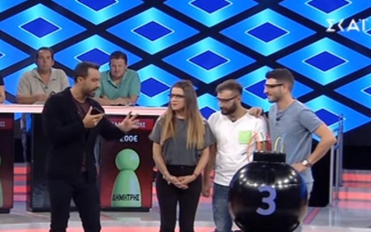 Ο Σάκης Τανιμανίδης τηλεφώνησε on air στον Αργυρό για να βοηθήσει σε ερώτηση – Newsbeast