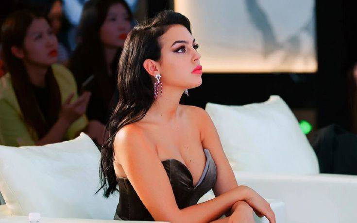 Διακοπές στο Ντουμπάι με σέξι διάθεση για τη σύντροφο του Κριστιάνο Ρονάλντο